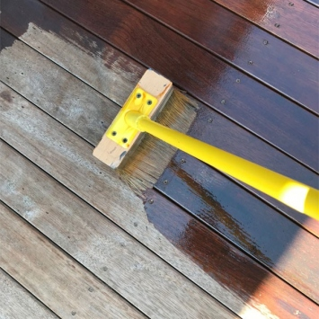 Deck-Oiling-and-Staining-image