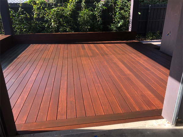 Deck-Maintenance-Image